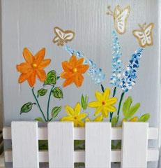 houten nestkastje beschilderd bloemen hekje naam persoonlijk_3