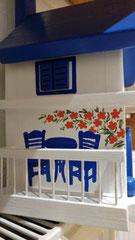 houten nestkastje Grieks huisje bougainville balkon_2