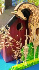 houten nestkastje_ giraf _ bruin