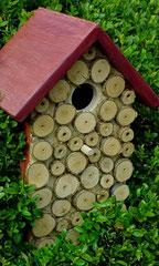 Houten Nestkastje, Nestkastje met hout bruin en groen, Details, Vogelhuisje bouwen ,  vogelhuisje met hout bruin en groen_2