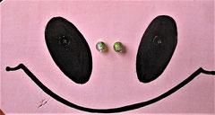 """Houten Nestkastje , """"Nestkastjes in vorm van een Koe wit-rosa, Details, Vogelhuisje bouwen ,  vogelhuisje Koe snoet met piercing"""