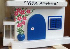 houten nestkastje Grieks huisje bougainville balkon_ Villa Amphora_