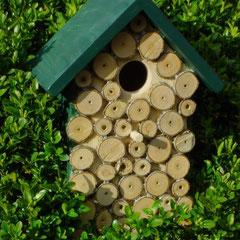 Houten Nestkastje, Nestkastje met hout bruin en groen, Details, Vogelhuisje bouwen ,  vogelhuisje met hout bruin en groen_3
