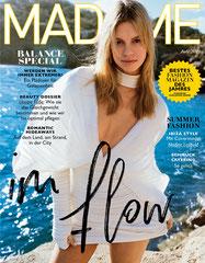 Claudia Einhell berät Leserinnen im MADAME Fuß-Special 2019