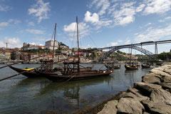 Blick auf die Altstadt von Porto mit der Ponte Dom Luis