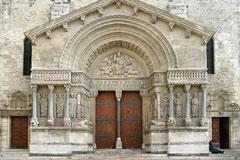 Kirchenportal in Arles