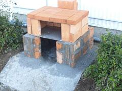 2013/04/03(水) ピザ窯を作製中です。