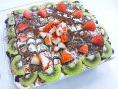 2013/12/18  みゆみゆ作のフルーツケーキです