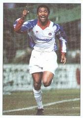 N° 016 - 18 mars 1993 But de Kombouaré. Le PSG élimine le Real Madrid (1-3, 5-1) en quart de finale de la C3