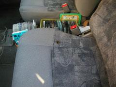 モケット(布柄あり)シート たばこ焦げ穴 リペア前