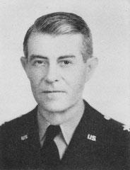 Brigadier General Jay MacKelvie, Kommandeur der 90th ID, abgelöst 13. Juni 1944
