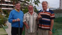 Jukka Puuska, Reino Alanko ja Jukka Karppi golfaamassa Kanarialla