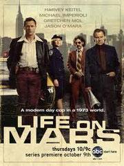 LIFE ON MARS Twentieth Century Fox - 2009 - USA •  Studio de doublage : Libra •  Direction artistique : Catherine Brot •  5 épisodes sur 17 •  Diffusion : M 6