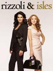 RIZZOLI & ISLES (saisons 4 à 7) NBC - 2011-2016 - USA •  Studio de doublage : Titra-TVS •  Direction artistique : Catherine Brot •  13 épisodes Diffusion: FRANCE  2