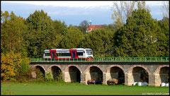 Am 20.12.2010 reicht bei sonnigem Herbstwetter der Blick bis auf Schloss Lichtenwalde im Hintergrund.