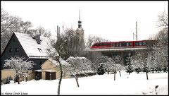 Erzgebirgsbahn in Richtung Olbernhau am 13.12.2010 durch Niederwiesa.