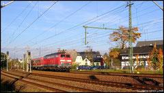 Gelegentlich übernimmt ein lokbespannter Kurzzug den Planverkehr auf den Erzgebirgsstrecken, hier ist 218 430 am 07.10.2010 in Richtung Cranzahl unterwegs.
