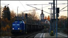 Im Abendlicht des 09.11.2010 wartet 204 033 der PRESS auf Ausfahrt, wahrscheinlich mit Kohle für die Fichtelbergbahn nach Cranzahl.