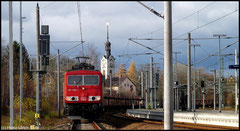 155 096 hat am 13.11.2010 einen leeren Autotransport in Richtung Mlada Boleslav am Haken.