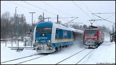 Am 13.02.2010 wirbelt 233 062 von Arriva im Schneegestöber mit Sonderzug in Richtung Dresden.