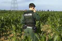 """Polizei erwartet die Akteure von der Initiative """"Gendreck weg"""" / Genmais - Deutschland"""