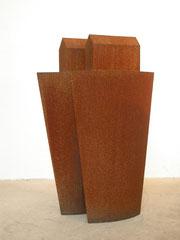 2 GEFÄßE UND 2 HÄUSER, 2005, Corten, 103 cm x 70 cm x 45 cm