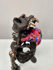 GALERIE ZOMBIE, 2021, aus der Serie Galerie Zombies 2010-2020, Bronzeguss patiniert, Acrylfarbe, 37 x 19 x 19 cm, Unikatedition