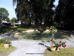 Springbrunnen im Schlosspark Langburkersdorf / Bergbau- Traditionsverein Hohwald e.V.   -  400 Jahre Schloss Langburkersdorf