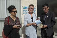 Tran Van Viet et Madame Truc avec notre présidente