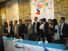 Ngo Bao Chau au millieu des étudiants