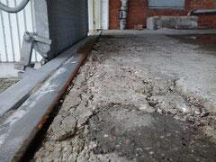 Korrodierte Bewehrung mangels ausreichender Betonschicht