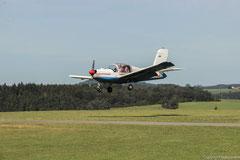 Das Flugzeug verfügt über Kurzstart- und Landeeigenschaften