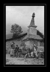 Stundenhalt beim Kloster Bupsa