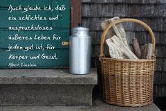 Bildnr. 16 / Milchkanne und Holzkorb