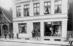 Oktober: Peterstraße Nr. 11 vor dem Ersten Weltkrieg