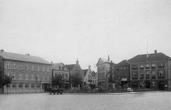April: Der Marktplatz um 1920