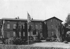 April: das Landjahrheim in dem 1930er Jahren - später Charlottenschule