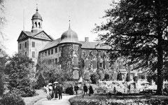 Deckblatt: Südseite des Schlosses um 1900