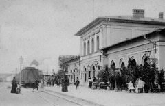 Februar: der Eutiner Bahnhof vor 1900