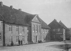 Oktober: Das Museum im St.-Georgs-Hospital, Lübecker Str. 17, um 1900