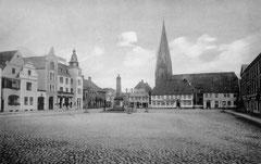 September: Der Eutiner Marktplatz vor 1910