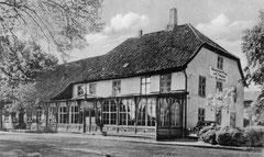 August: Der Neudorfer Krug vor dem Zweiten Weltkrieg