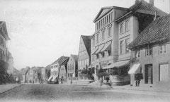 """Januar: Hotel """"Stadt Hamburg""""  in der Lübecker Straße um 1906"""