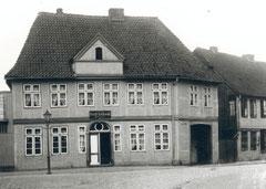 """November: Die Gastwirtschaft """"Stadt Lübeck"""", Weidestraße 2"""