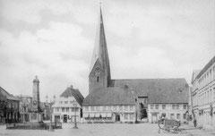 Deckblatt: Marktplatz um 1907