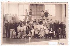 1962  lors d'un Concours Interne dans la salle de gym rue Osmont