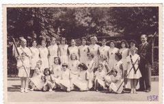 1958  Après le défilé du 14 Juillet