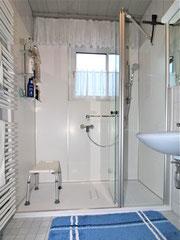 Dusche mit Wandpaneele NACHHER