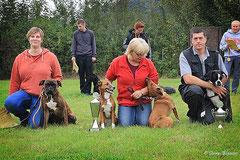 Dorothea mit Rudi, Beate mit Xena und Jolie, Carsten mit Kira 1. Platz BH
