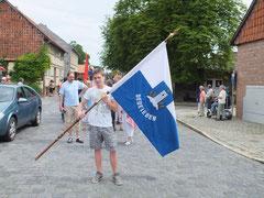 Die Delebener Fahne immer vorweg...